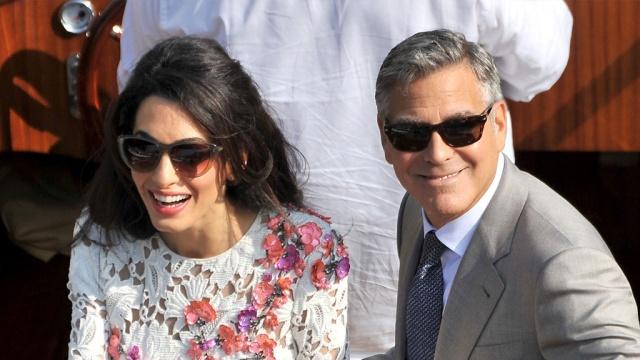 ВВенеции папарацци на гондолах охотятся за Клуни сневестой.артисты, браки и разводы, Венеция, Голливуд, знаменитости, Италия, Клуни.НТВ.Ru: новости, видео, программы телеканала НТВ