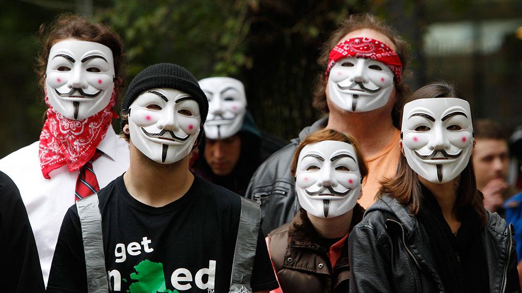 Лучшие картинки людей в масках
