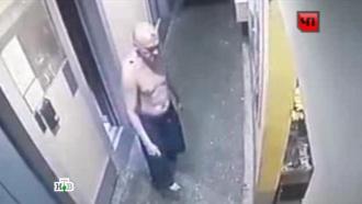 Камера сняла, как полуголый окровавленный Девотченко ходил вмагазин перед смертью