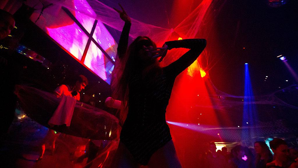 Клубе крутые в картинки девушек ночном
