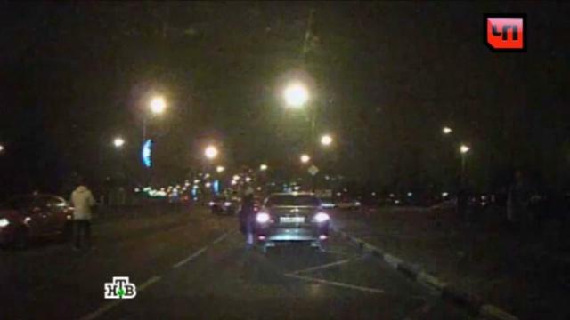 Смертельная авария сучастием розового Jaguar попала на видео.ДТП, Москва, инвалиды, пешеходы.НТВ.Ru: новости, видео, программы телеканала НТВ