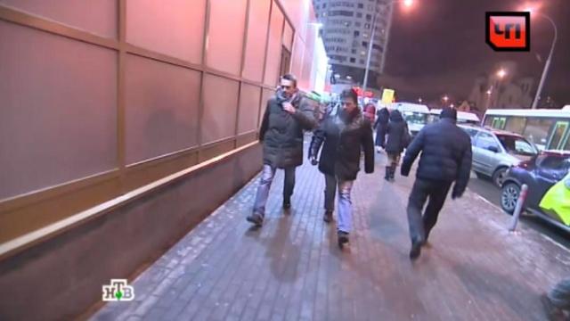 Корреспонденты НТВ сняли побег Навального из-под домашнего ареста.Москва, Навальный, задержание, митинги и протесты, полиция.НТВ.Ru: новости, видео, программы телеканала НТВ