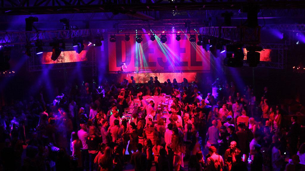 Все женские клубы москвы клуб саратов ночной цена
