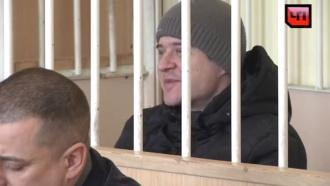 Убийца прихожан сахалинского храма устроил скандал взале суда