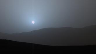 Curiosity прислал фотографии заката на Марсе