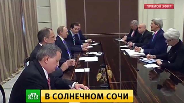 Перед встречей с Керри Путин напомнил о высоких темпах перевооружения российской армии.Госдепартамент США, Керри Джон, Путин, США, армия и флот РФ, вооружение.НТВ.Ru: новости, видео, программы телеканала НТВ