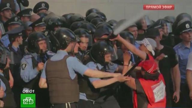 В Киеве после массовых беспорядков задержали 12 человек.Киев, Украина, беспорядки, задержание, митинги и протесты.НТВ.Ru: новости, видео, программы телеканала НТВ