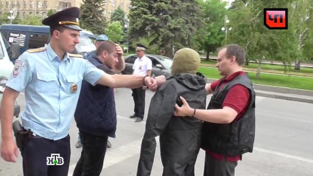 В Волгограде подозреваемый в убийстве студента рассказал о конфликте.Волгоград, драки и избиения, полиция, расследование, убийства и покушения.НТВ.Ru: новости, видео, программы телеканала НТВ