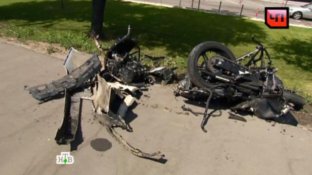 Две машины имотоцикл столкнулись на Кутузовском проспекте вМоскве.ГИБДД, ДТП, Москва, автомобили, больницы, мотоциклы и мопеды, полиция.НТВ.Ru: новости, видео, программы телеканала НТВ