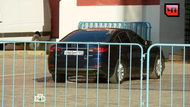 Ищущий приключений автомобилист припарковался на нулевом километре у Кремля.Красная площадь, автомобили, игры и игрушки, полиция.НТВ.Ru: новости, видео, программы телеканала НТВ