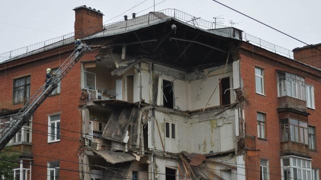 Под руинами пятиэтажки вПерми ищут до четырех человек.Пермь, обрушение.НТВ.Ru: новости, видео, программы телеканала НТВ