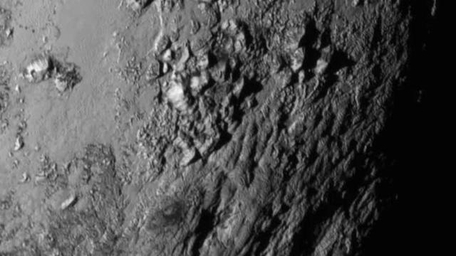 NASA показало первую детальную фотографию поверхности Плутона.НАСА, космос, планеты, спутники.НТВ.Ru: новости, видео, программы телеканала НТВ