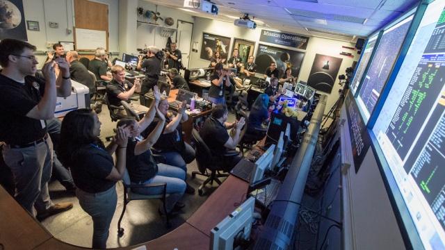 New Horizons «позвонил домой» сПлутона.НАСА, космос, наука и открытия, планеты.НТВ.Ru: новости, видео, программы телеканала НТВ
