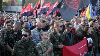 «Правый сектор» требует ввести военное положение на Украине