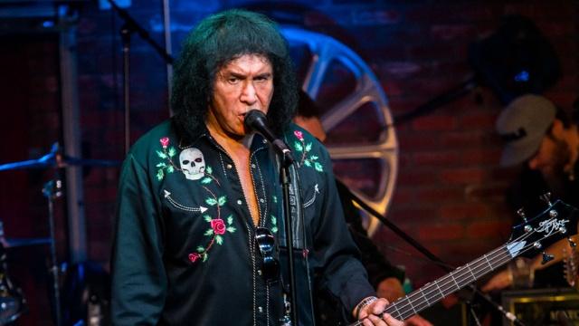 Полицейские обыскали дом лидера группы Kiss. США,знаменитости,музыка и музыканты,обыски