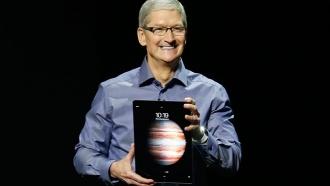 Apple облачила iPhone в розовое и научила делать «живые» фото