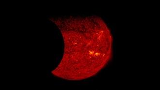 ВNASA впервые засняли на видео двойное затмение Солнца