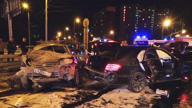 Очевидец: виновники страшной аварии на юге Москвы находились под воздействием веселящего газа.ДТП, Москва, автомобили, наркомания, наркотики, полиция.НТВ.Ru: новости, видео, программы телеканала НТВ