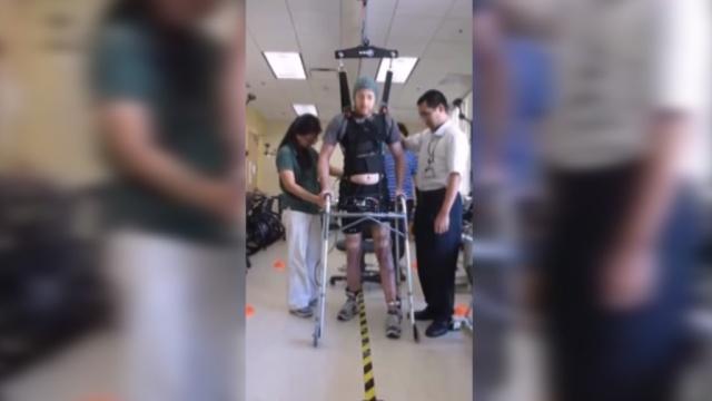 В США врачи научили ходить пациента с парализованными ногами.болезни, здоровье, медицина, наука и открытия.НТВ.Ru: новости, видео, программы телеканала НТВ