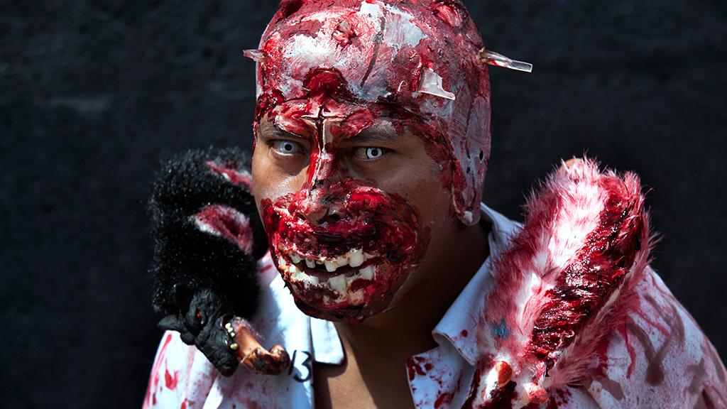 житель сша принял знакомого за зомби и убил его