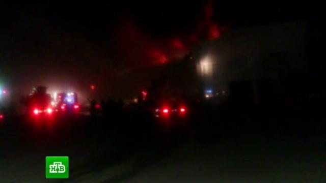 Крупный пожар в лакокрасочном цехе локализовали на Кубани.Краснодарский край, МЧС, пожары.НТВ.Ru: новости, видео, программы телеканала НТВ