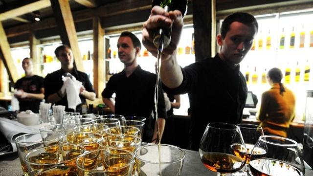 Росалкоголь: дефицита спиртного вкафе иресторанах не будет.Москва, алкоголь, законодательство, рестораны и кафе.НТВ.Ru: новости, видео, программы телеканала НТВ