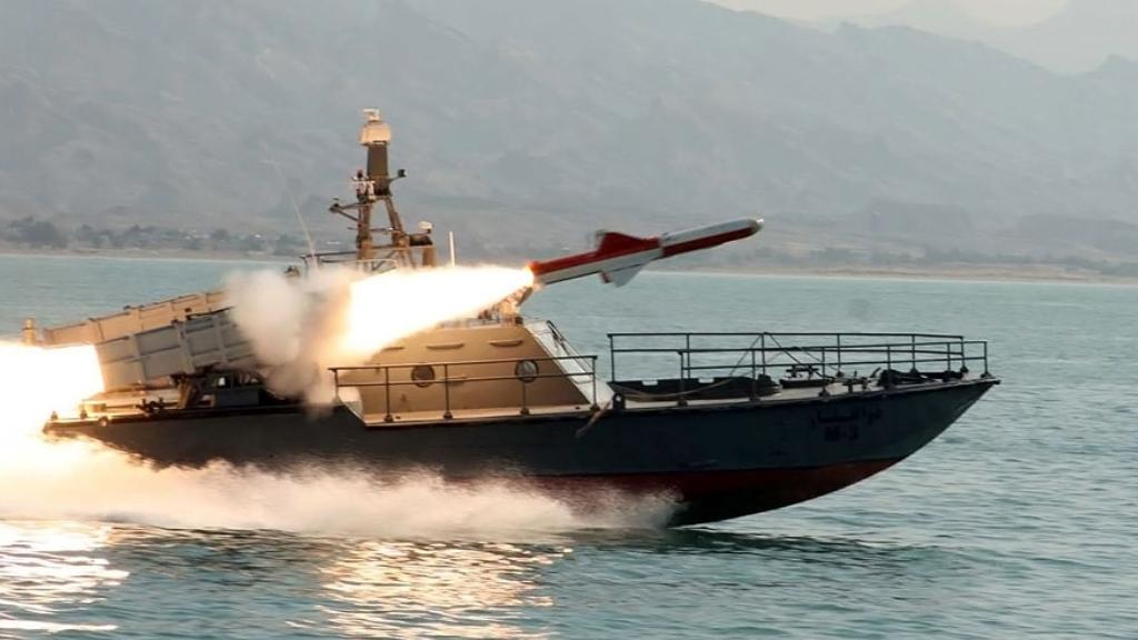 Иранский флот выпустил ракеты около авианосца USS John Stennis