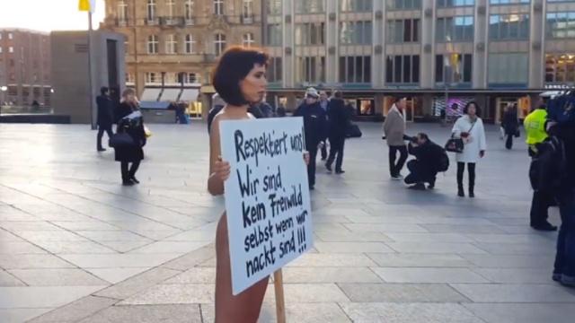 Художница разделась догола в центре Кёльна, протестуя против секс-террора.Германия, живопись и художники, задержание, изнасилования, кражи и ограбления, мигранты, нападения.НТВ.Ru: новости, видео, программы телеканала НТВ