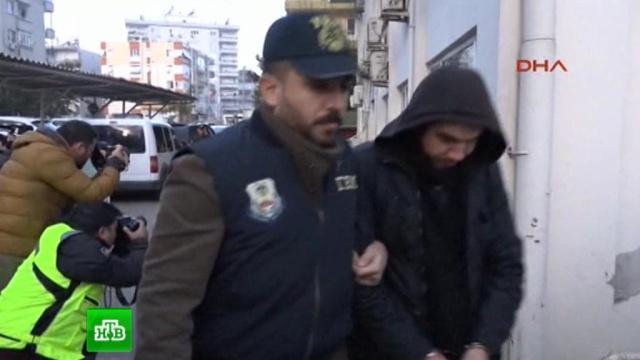 ВСети появилось видео сзадержанными после теракта вСтамбуле россиянами.задержание, Исламское государство, терроризм, Турция.НТВ.Ru: новости, видео, программы телеканала НТВ