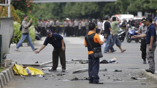 Полиция Индонезии сравнила нападение на Джакарту спарижскими терактами.Индонезия, полиция, терроризм.НТВ.Ru: новости, видео, программы телеканала НТВ