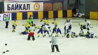 На матче ЧМ по хоккею с мячом произошло побоище между украинцами и монголами
