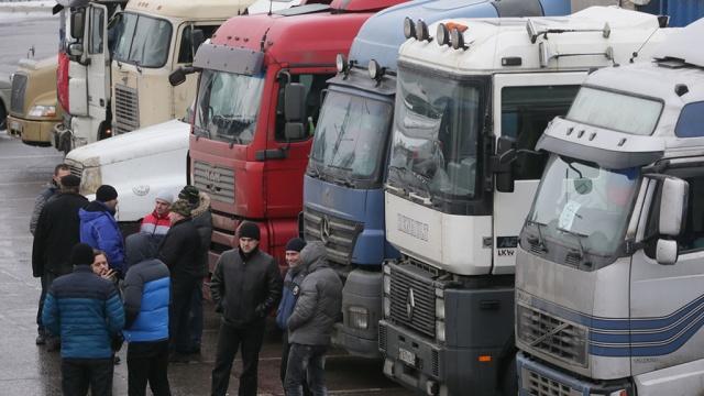 В Кремле назвали «беспределом» блокировку российских фур на Украине.грузовики, Песков, Украина.НТВ.Ru: новости, видео, программы телеканала НТВ