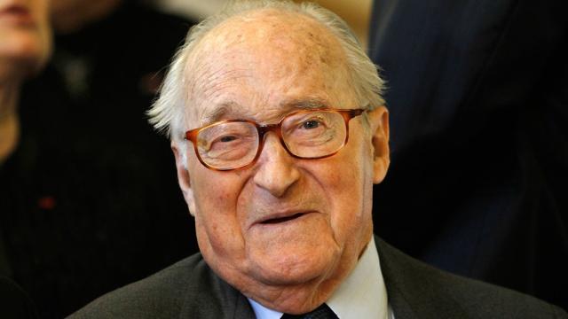 Умер французский историк и писатель Ален Деко. Франция история