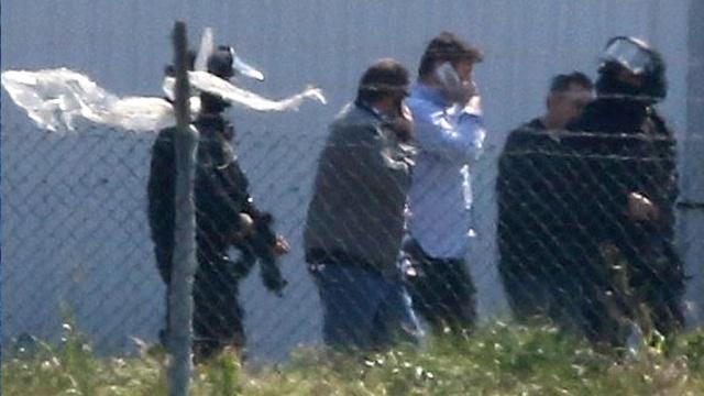 Захватчиком лайнера EgyptAir оказался бывший военный.Египет, Кипр, авиационные катастрофы и происшествия, самолеты, угон.НТВ.Ru: новости, видео, программы телеканала НТВ