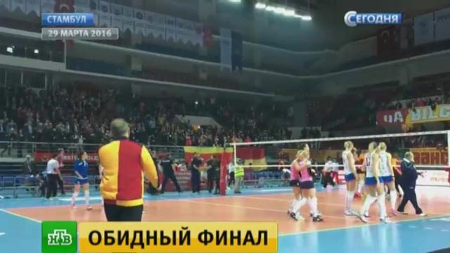 trener-ebet-voleybolistku-russkoe-video-o-molodezhnom-sekse