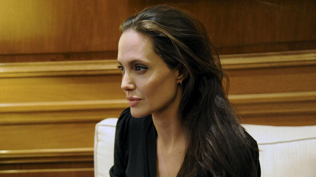 Анджелину Джоли госпитализировали после съемок в Мексике