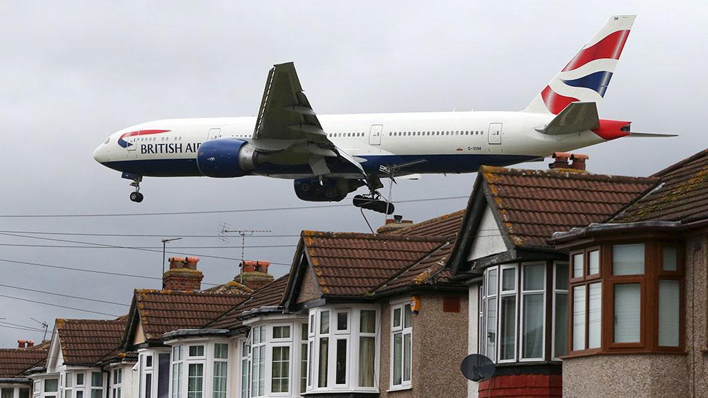 Самолет A320столкнулся сбеспилотником при посадке вЛондоне