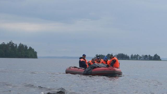 На Сямозере спасатели нашли тело мальчика.Карелия, Маркин, дети и подростки, несчастные случаи, штормы и ураганы.НТВ.Ru: новости, видео, программы телеканала НТВ