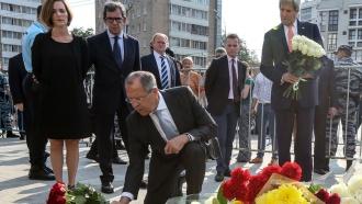 Лавров иКерри впосольстве Франции почтили память жертв теракта вНицце