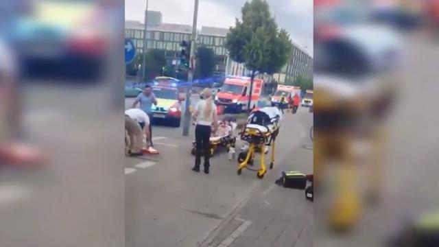 Атаковавших ТЦ в Мюнхене было как минимум трое.Германия, стрельба.НТВ.Ru: новости, видео, программы телеканала НТВ