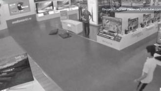 Ловец покемонов устроил погром в московском магазине электроники