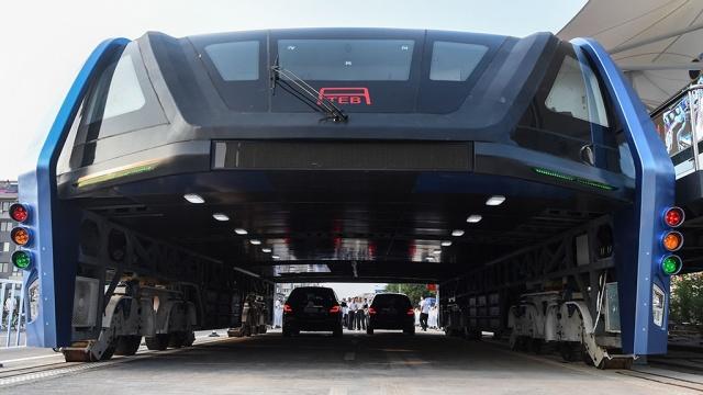 Гигантский китайский автобус признали фейком.Китай, автобусы, общественный транспорт, технологии.НТВ.Ru: новости, видео, программы телеканала НТВ