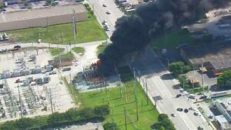 Взрыв на электроподстанции оставил без света десятки тысяч жителей Флориды