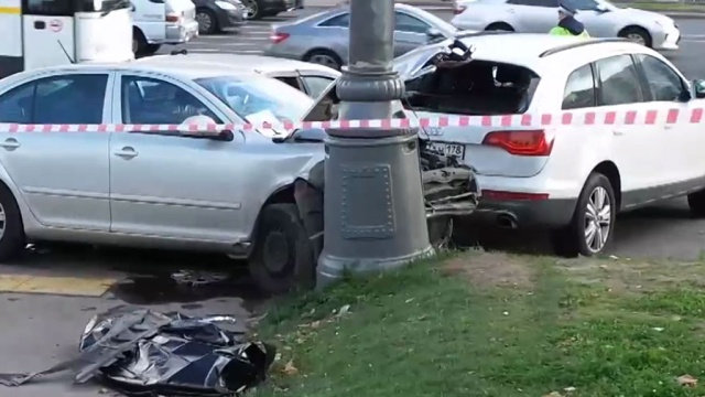 Полицейский погиб в крупном ДТП на Кутузовском проспекте.автомобили, ДТП, Москва, полиция, смерть.НТВ.Ru: новости, видео, программы телеканала НТВ