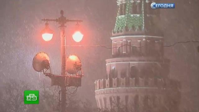Взаснеженной Москве зафиксировали почти 900ДТП за сутки.ДТП, Москва, погода, погодные аномалии, снег.НТВ.Ru: новости, видео, программы телеканала НТВ