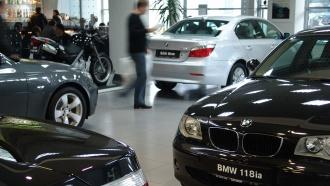 Продажи новых машин в России выросли впервые за два года