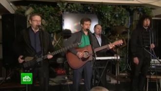Журналисты и&nbsp;музыканты почтили память жертв катастрофы <nobr>Ту-154</nobr>