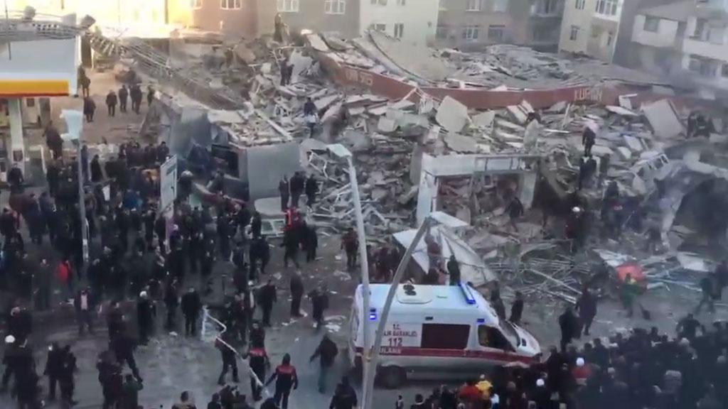 В Стамбуле обрушилось шестиэтажное здание-ის სურათის შედეგი
