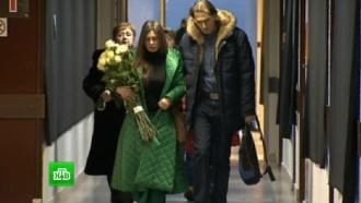 Москва провожает в последний путь погибших репортеров, артистов и Доктора Лизу