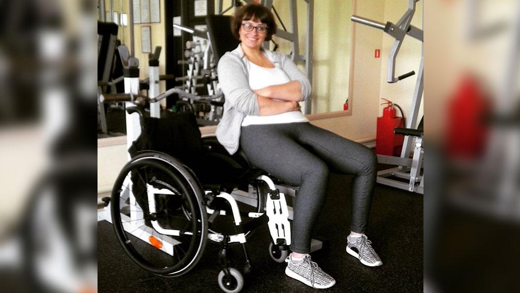 познакомлюсь с девушкой инвалидом на коляске